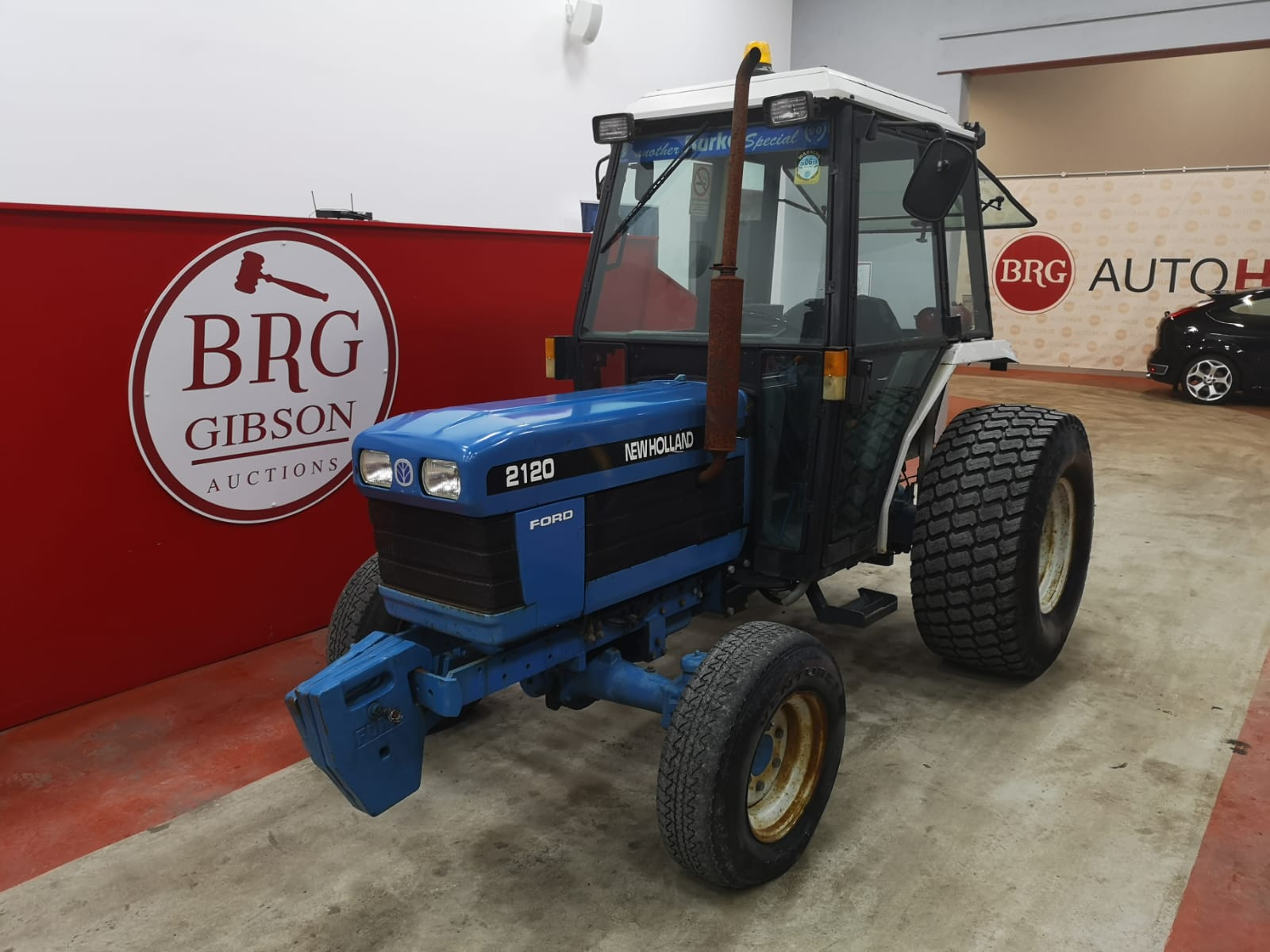 New Holland 2120 Compact Tractor on Grass Tyres 3,634hrs